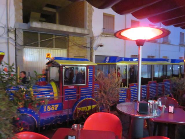 El tren turístico llega a Casa Rufino.