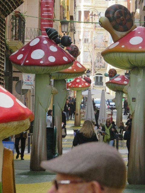 Setas en la Calle de San Francisco, Alicante.