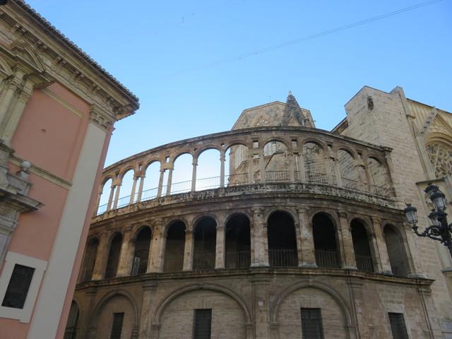 Detalle de la catedral, que a mi me recuerda un coliseo romano.