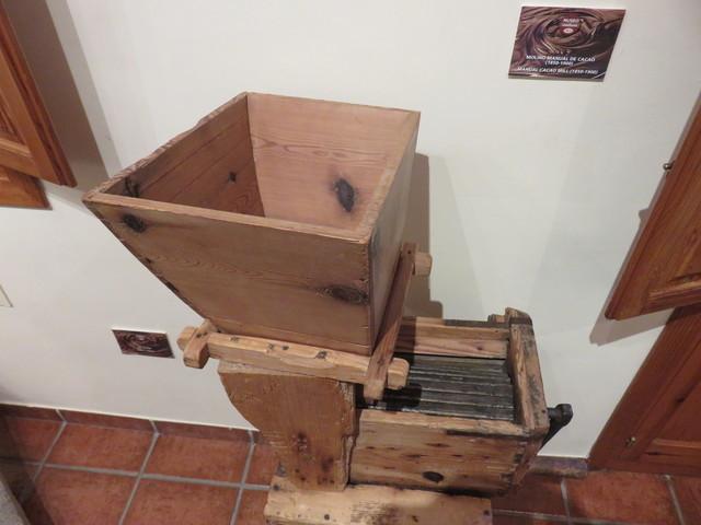 Máquina de triturar el cacao.