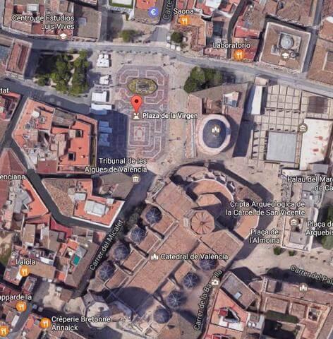 Plaza de la virgen vista desde el espacio. Gentileza de Google Maps.