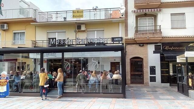 Mesón Salvador. Avenida de los Boliche 97 (barrio de Los Boliches)