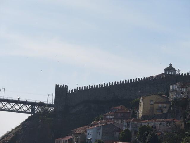 Las murallas, ahora vistas con la iluminación al contrario